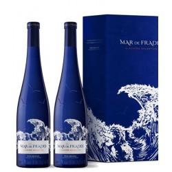 Pack 2 botellas Mar de Frades en caja de madera