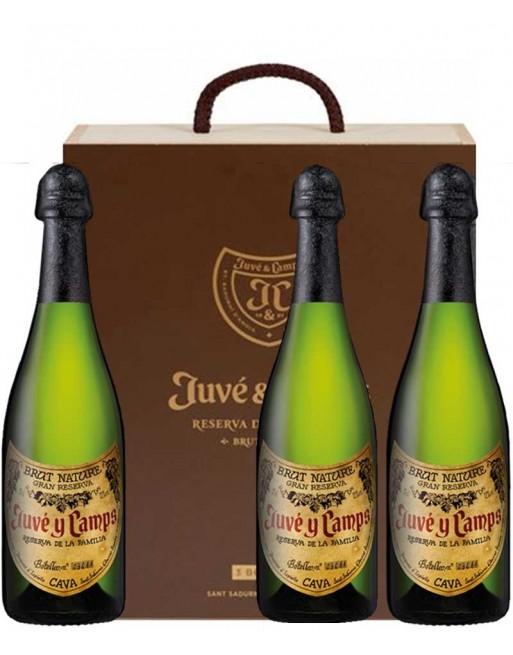 Pack 3 botellas Juvé y Camps Reserva de la Familia en caja de madera